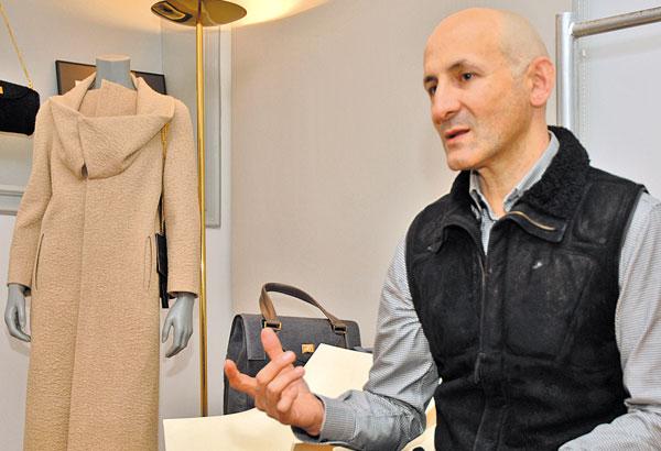 """Modesto Lomba: """"La moda es una forma de protegernos de lo que nos"""
