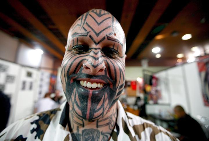 cuidados de un tatuaje. tatuajes cuidados. riesgos del tatuaje. bajo riesgo de lo que podáis pensar.